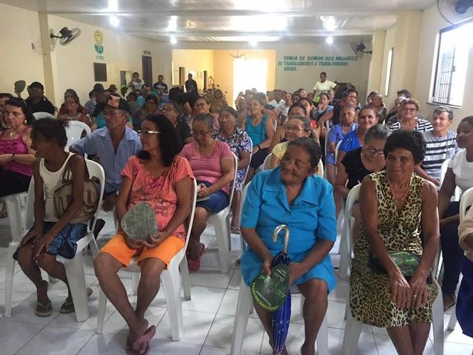 FETRAECE / STR de Cariré realizam encontro para lutar por seus direitos e protestar contra 'cortes' de aposentadorias