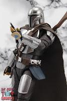 S.H. Figuarts The Mandalorian (Beskar Armor) 43
