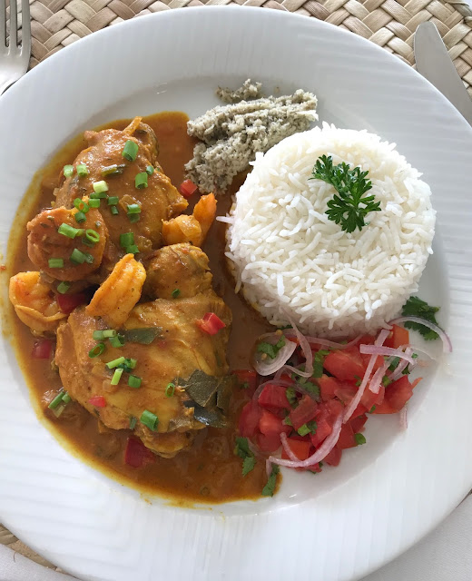 Falaise Rouge, Mauritius, chicken and prawn curry