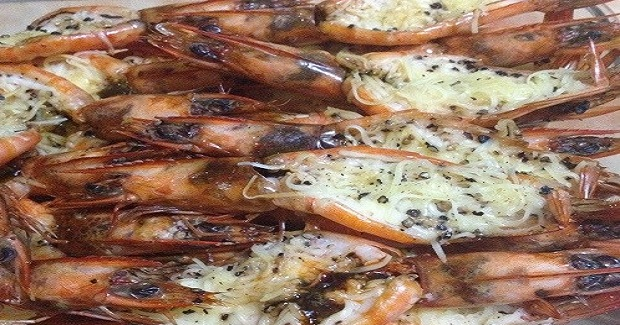 Baked Butterflied Prawns With Pepper And Cheese Recipe