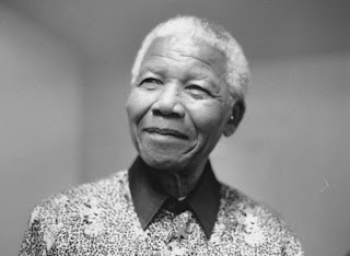 BIOGRAPHY NELSON MANDELA, THE FIRST BLACK SKIN PRESIDENT OF SOUTH AFRICA