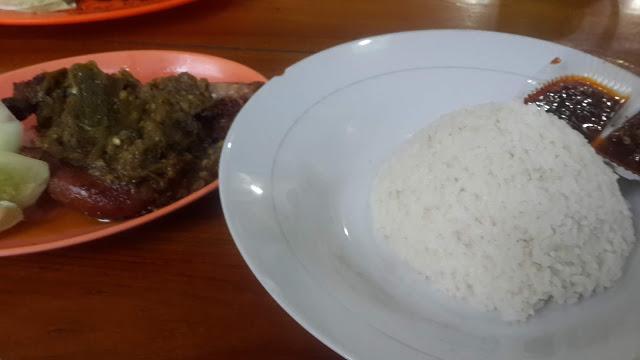 Nikmatnya nasi bebek