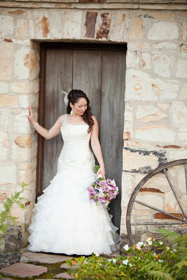 Bride+bridal+vineyard+winery+wine+purple+violet+Lavender+centerpieces+roses+dried+rustic+outdoor+spring+wedding+summer+wedding+fall+wedding+california+napa+valley+sonoma+white+floral+Mirelle+Carmichael+Photography+20 - Lavender Sprigs