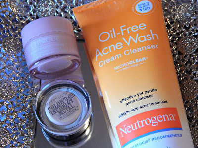 Maybelline color tattoo, Neutrogena acne wash// thehollypaige.blogspot.com