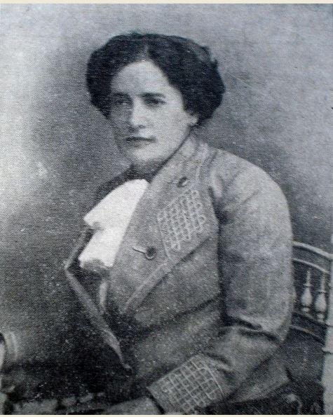 Francisca Júlia na maturidade.