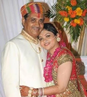 Shruti Bapna Family Husband Son Daughter Father Mother Marriage Photos Biography Profile.