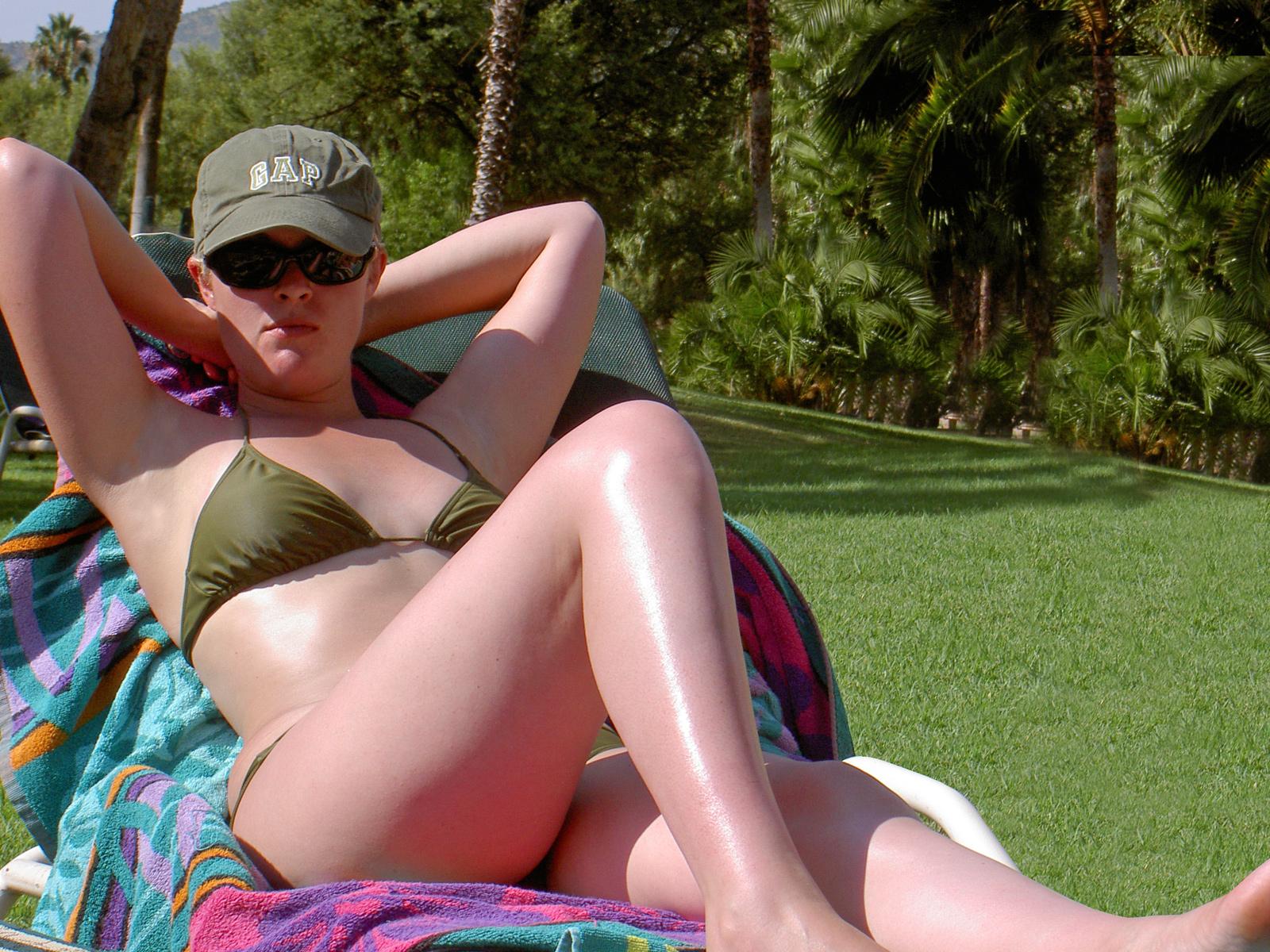 The Golden Rules of Sunbathing