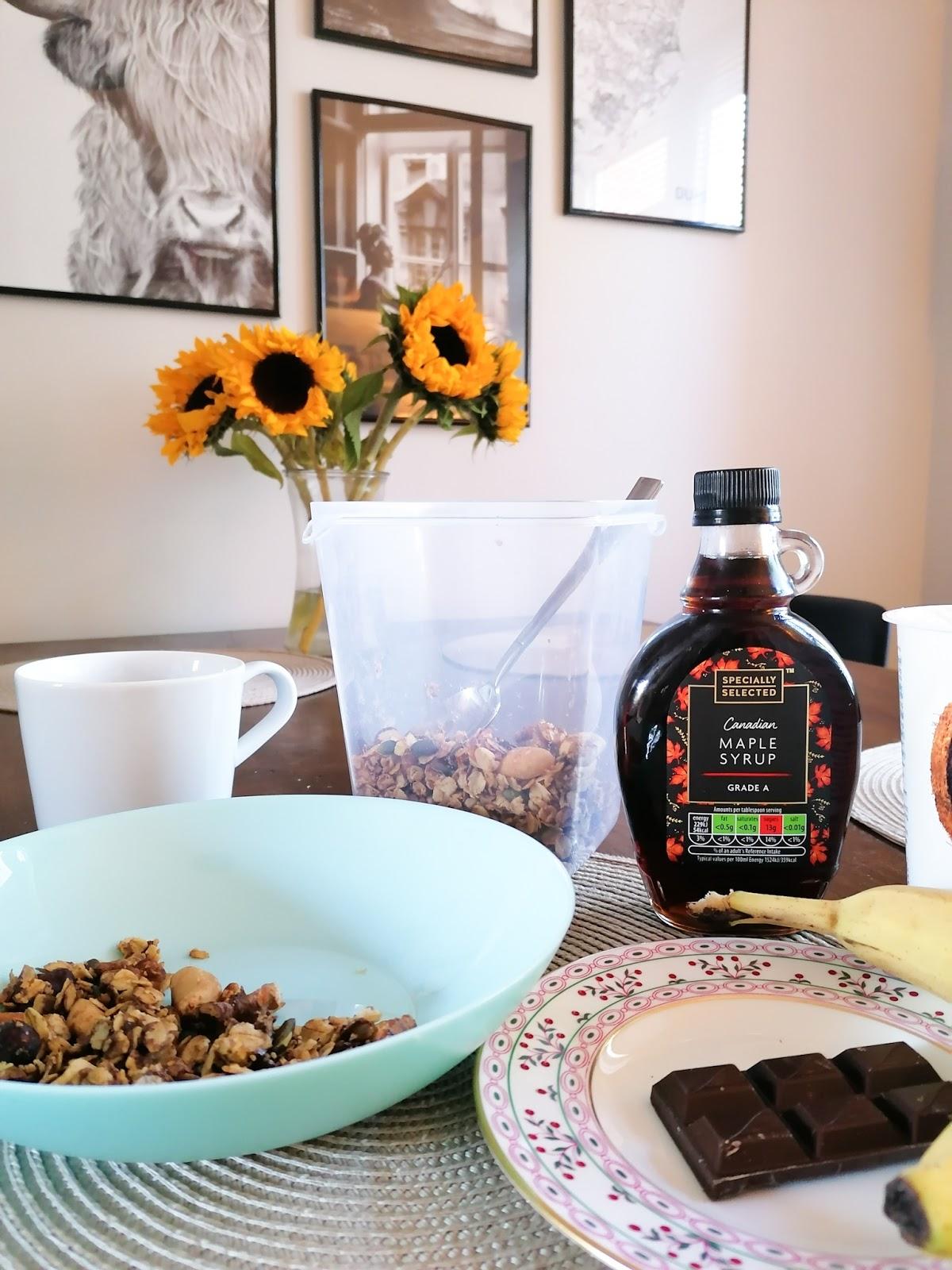 Easy and cheap homemade chocolate granola recipe