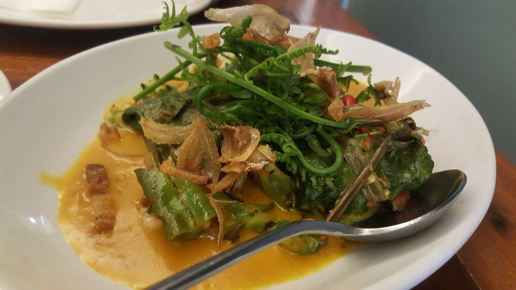 Dekada, Historic Filipino Cuisine's Tinapang Mahi-Mahi na Binalot sa Gabi