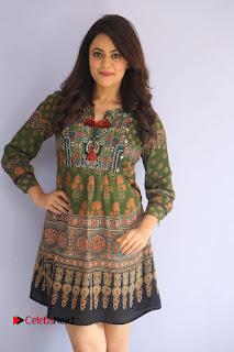Actress Shruti Sodhi Pictures at Meelo Evaru Koteeswarudu Trailer Launch  0018.JPG