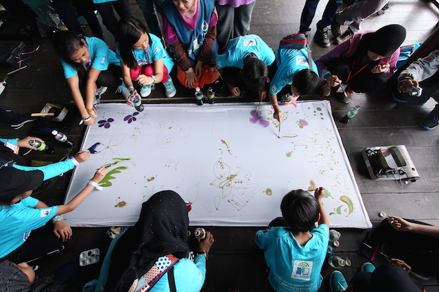 At previous event, kids were taught how to draw flora using their own creativity