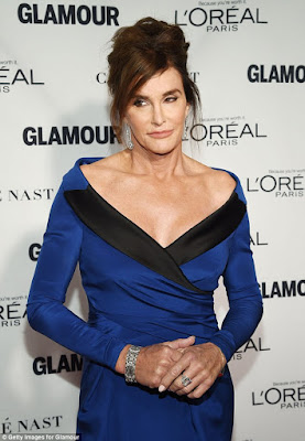 image caitlyn jenner at glamour woman of the year