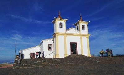 Ermida da Padroeira na Serra da Piedade com imagem atribuída a Aleijadinho
