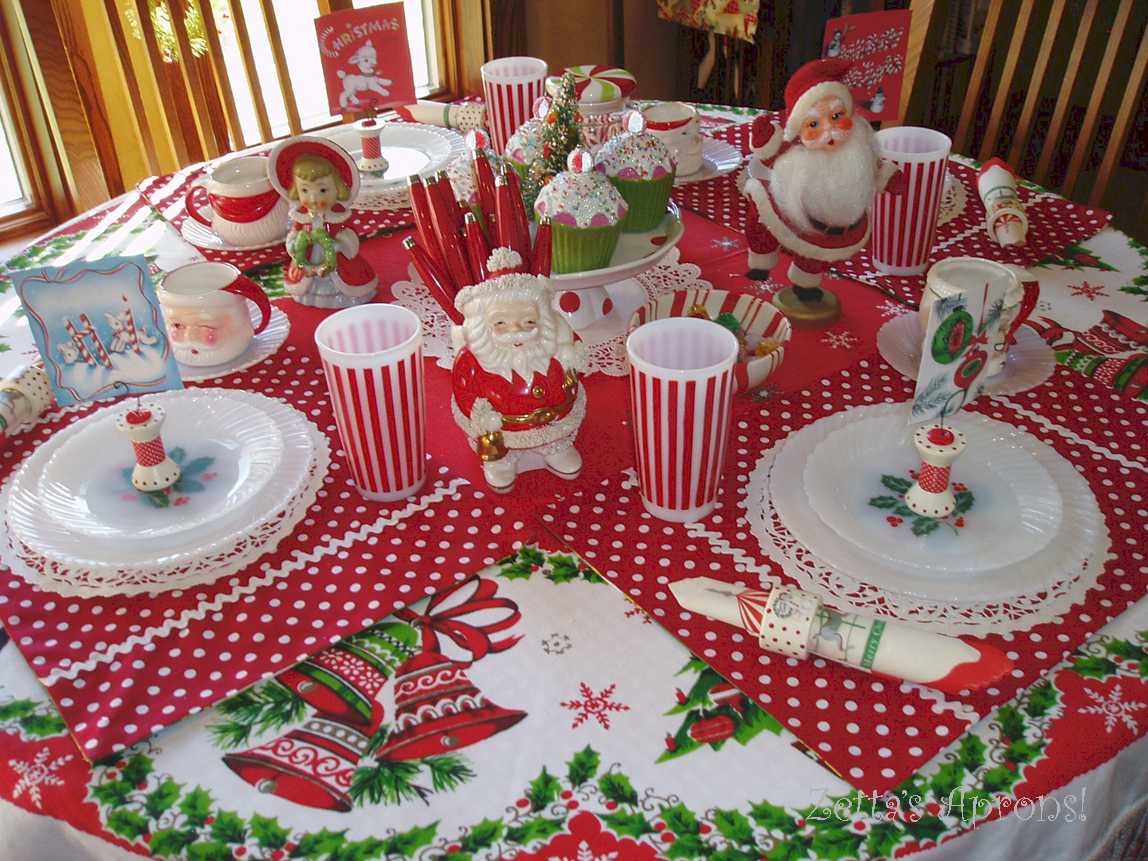 Zetta 39 s aprons fun christmas table setting and a winner - Christmas table setting ideas ...