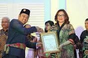 Bank SulutGo Terima Penghargaan Dari Humas Indonesia