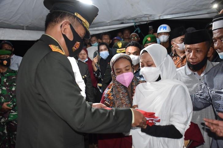Danrem 141/Toddopuli, Inspektur Upacara Pemakaman Jenazah Korban Penyerangan Kelompok Separatis Diwilayah Maybrat