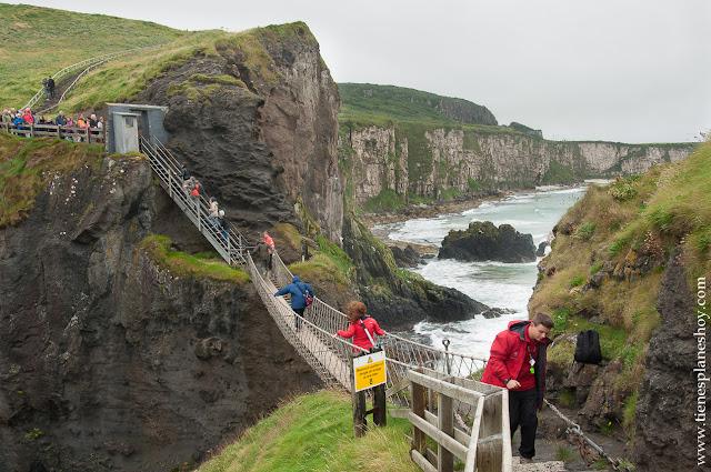 Cruzar puente Carrick a Rede Rope Irlanda del Norte