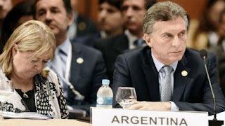 El presidente del Parlamento de Venezuela, el férreo antichavista Henry Ramos Allup, arremetió contra Mauricio Macri por no impulsar en una reunión extraordinaria de la OEA la aplicación de la Carta Democrática Interamericana en la crisis venezolana.