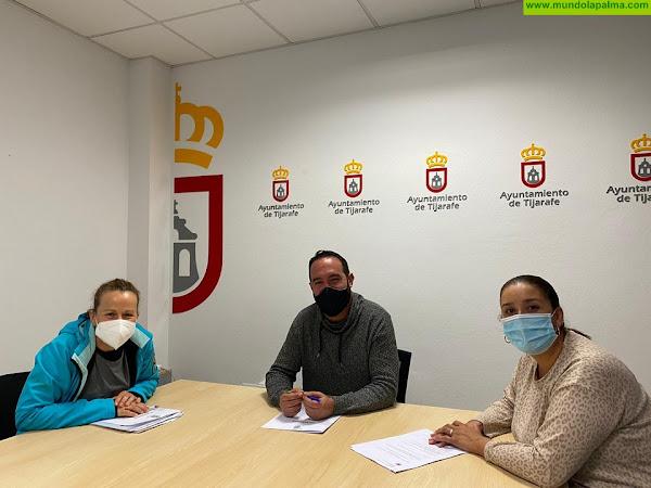 """Tijarafe firma un convenio de colaboración con la Asociación de Voluntarios Medioambientales """"Sin Suela"""""""