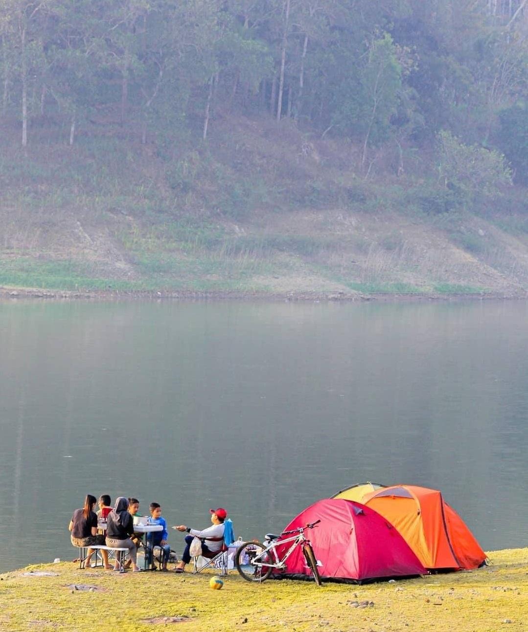 Camping di Waduk Sermo Jogja
