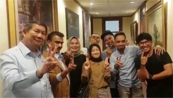Salam 2 Jari Bersama Hashim, Sabyan Resmi Dukung Prabowo?