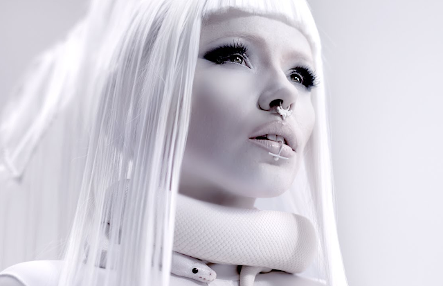 Video: KERLI - SAVAGES