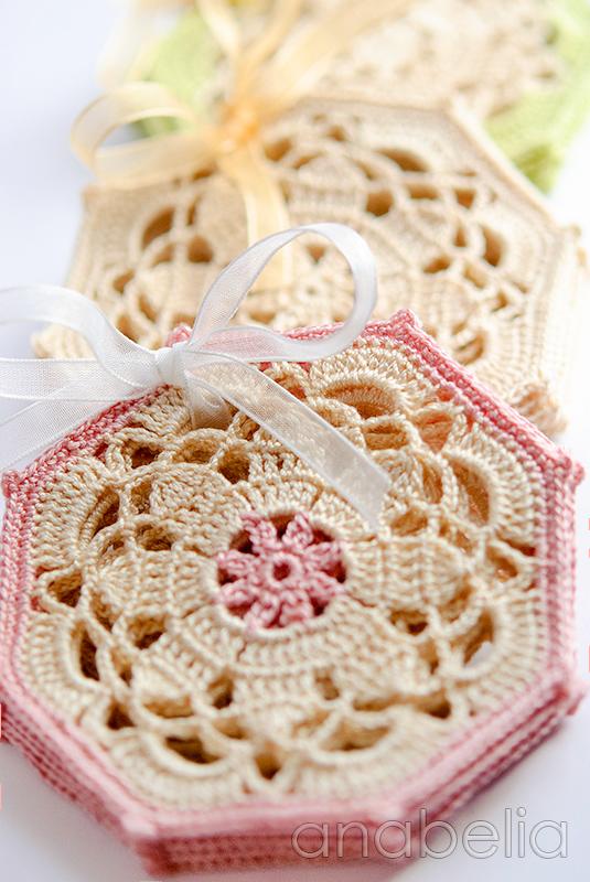Vintage crochet coaster pattern by Anabelia