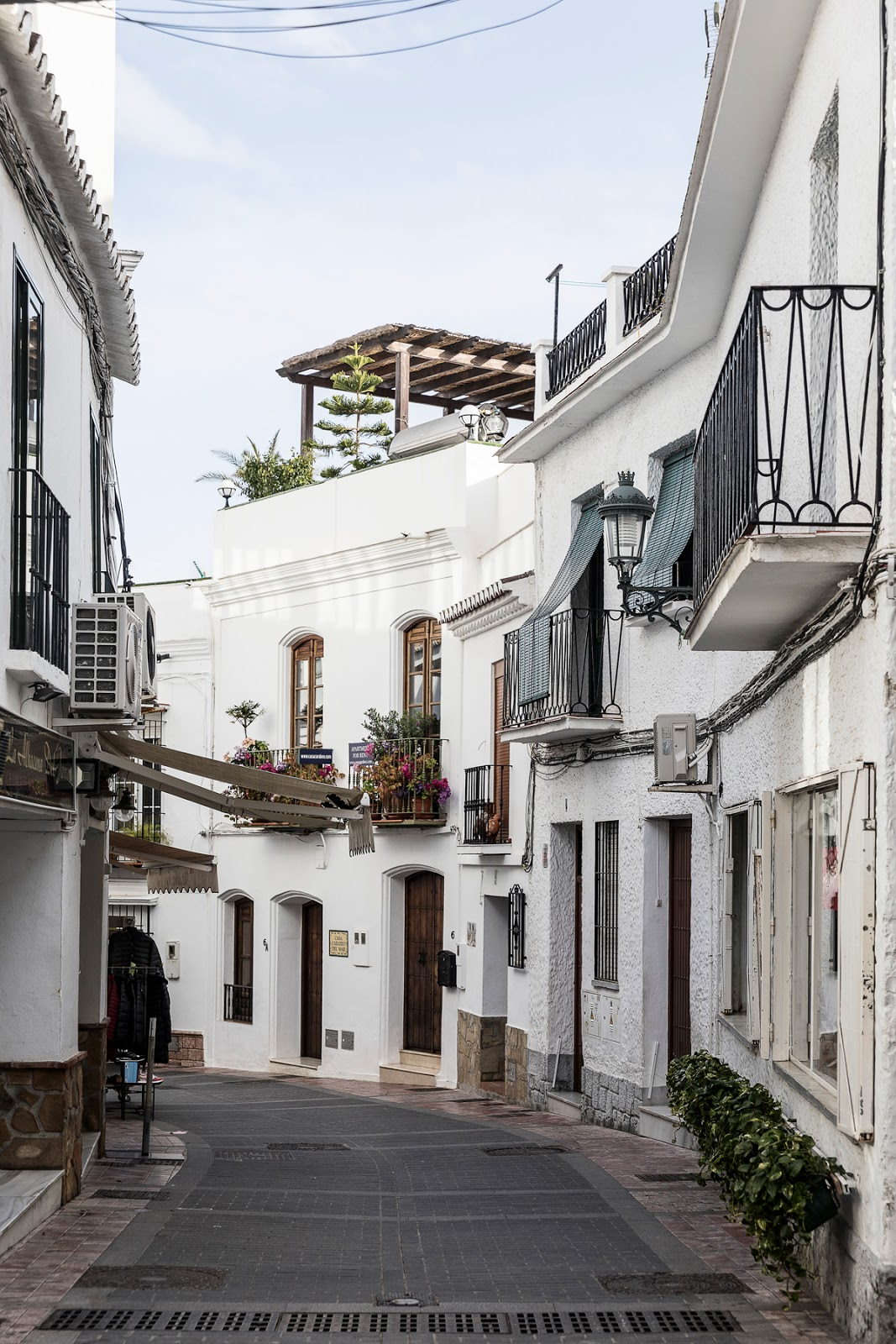 Nerja, Costa del Sol, Malaga, Andalucia, Spain, Espanja, travelblog, travelling, matkustus, matkustaminen, lomakohde, rantaloma, Puebloespana, White village, old village, Pueblo blanco, valokuvaaja, photographer, Frida Steiner, Visualaddict, Visualaddictfrida, photography, nature, sea, holiday, vacation, ocean, Mediterranean,