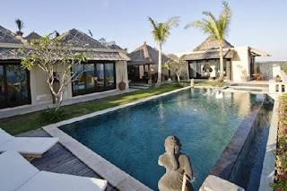 Hotel Jobs - HR Admin, Waiter at Chateau de Bali in Ungasan