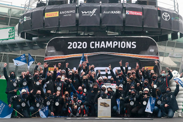 Hyundai World Rally Team Celebrate winning the World Rally Championship