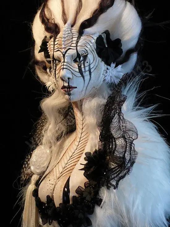 Virginie Ropars arte esculturas surreais bonecas macabras sombrias feminino