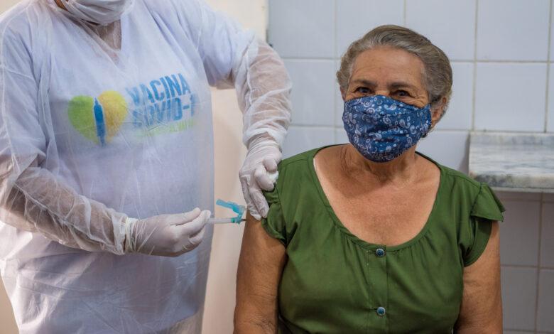 Juazeiro (BA) Idosos acima de 77 anos começam a ser vacinados contra Covid-19 nesta terça (9) - Portal Spy Noticias Juazeiro Petrolina