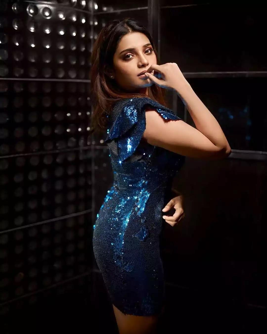 aathmika-hot-looks-in-blue-bodycon-mini-dress