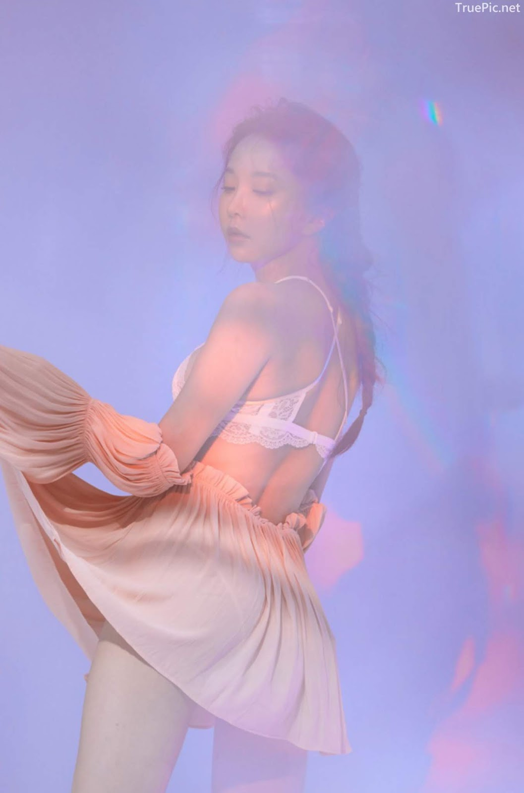 Korean model and fashion - Park Soo Yeon - Off-White Lavender and Salmon Pink Bra - Picture 9