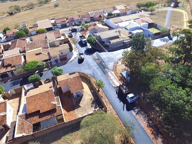 Ruas do Residencial Dona Laura recebem recapeamento asfáltico