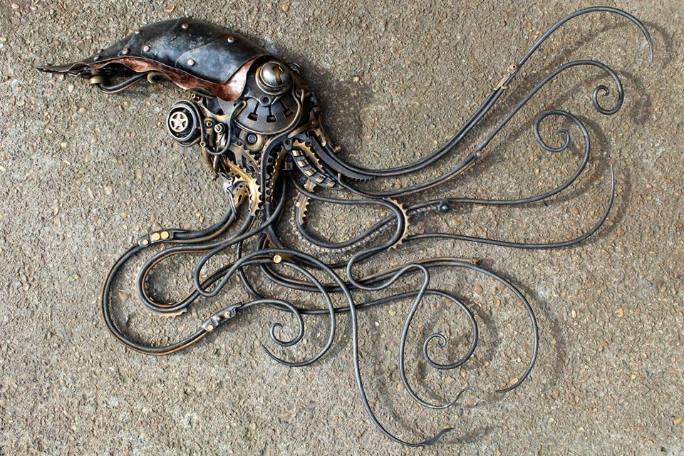 18-Multiplying-Squidipus-Alan-Williams-Animals-Sculptured-with-Recycled-and-Upcycled-Metal-www-designstack-co