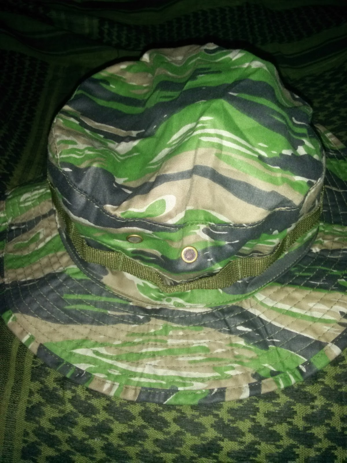 Bonnie hat  The Bonnie hat made by RAP4 is essentially like the standard  military issue Boonie hat. The major difference is in the chin strap. bf9bd050b2b3