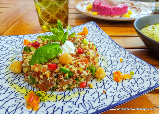 Al Maeda Fikrih and quinoa salad