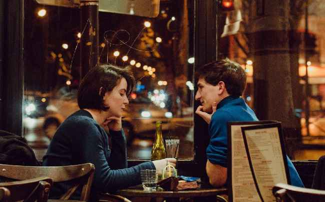 What to Do on the First Date? 9 Tips to Make your Date Great