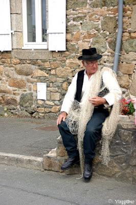 Pescatore in costume bretone a Paimpol