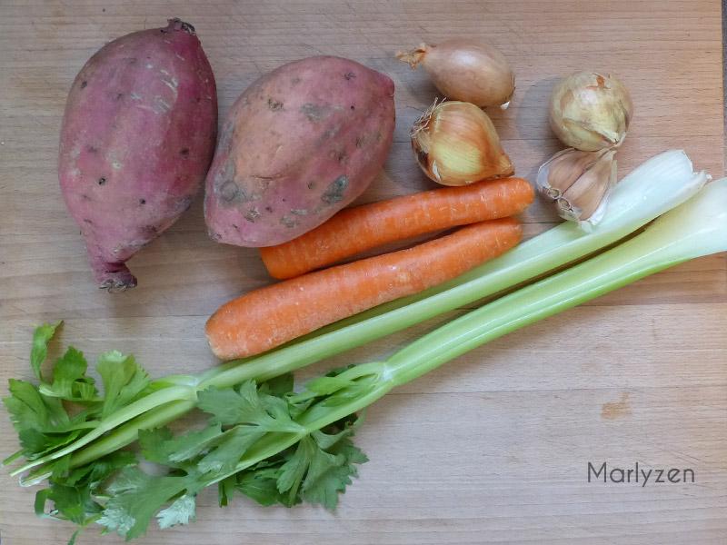 Patate douce, carotte, céleri, oignon, ail.