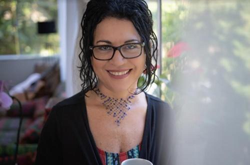 Psicóloga Viviane Mosé vem ao Recife para palestra sobre como educar para a autonomia do aluno
