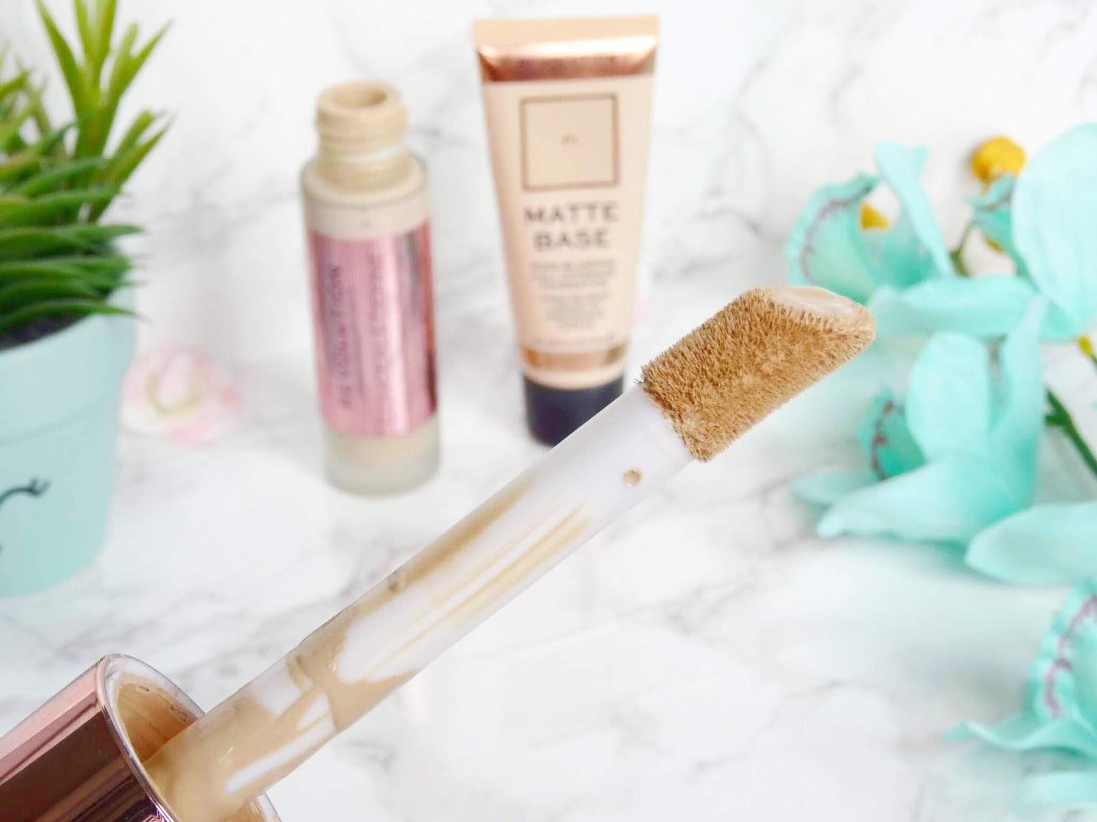 Makeup Revolution Conceal and Define Foundation Doe-Foot Applicator