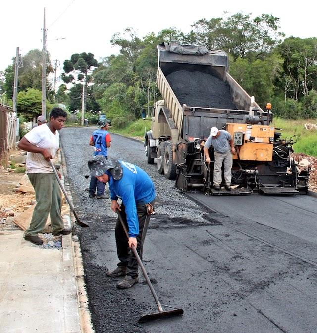Rua da Águia recebe o tão sonhado asfalto