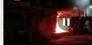 शहर के डाकवाडी क्षेत्र में डॉ गुप्ता के घर में देर रात लगी भीषण आग