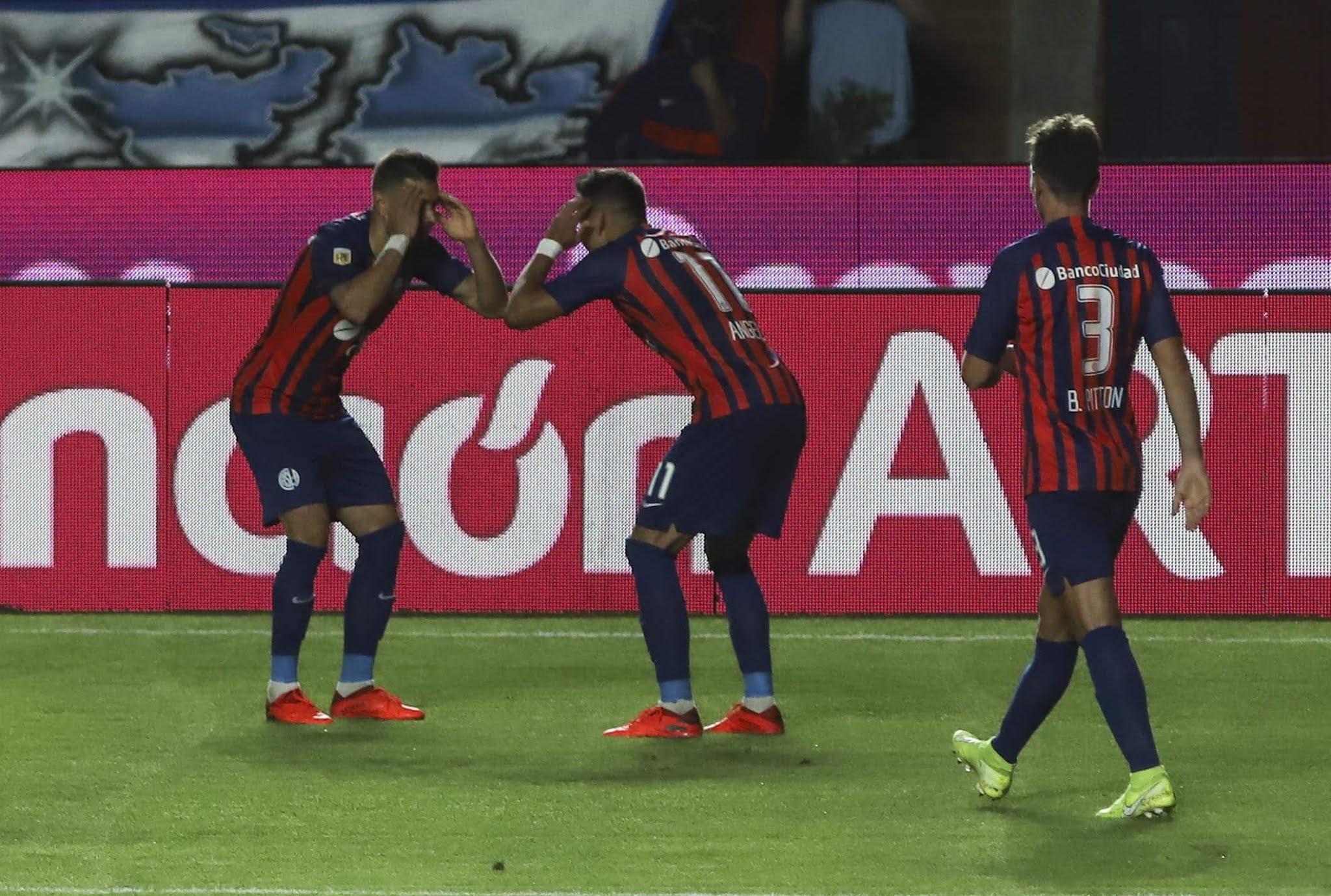 San Lorenzo superó a Argentinos con goles de los Romero y se afirmó en la cima de la Zona 5