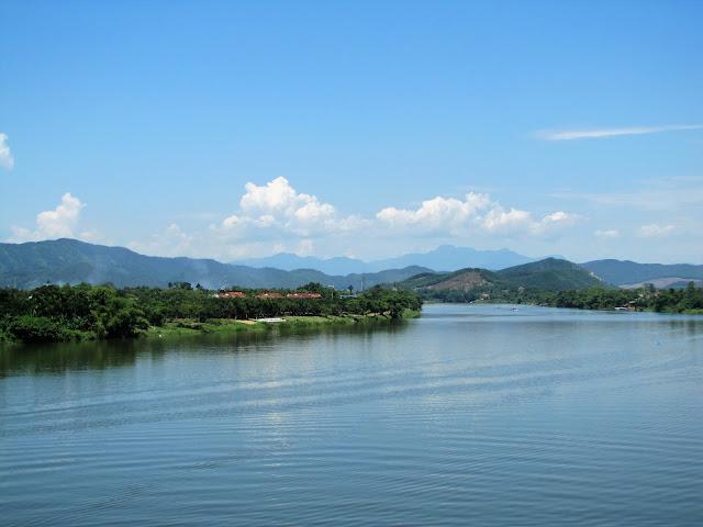 perfume river hue vietnam