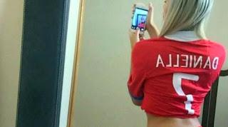 Foto Hot Gadis inilah Ternyata yang Membuat Timnas Chile Semangat Untuk Bangkit Setelah Menelan Kekalahan Melawan Argentina Pada Kualifikasi Piala Dunia 2018 !