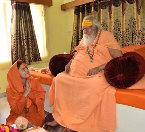 Shree Shree Shankaracharya de Dwaraka-Sharda Peeth Swami Swaroopanand Saraswathi &