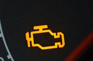 Lampu indikator mobil nyala kedap kedip